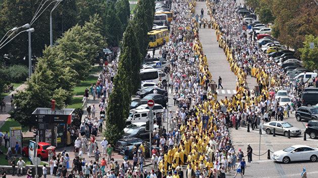 Более 100 тысяч верующих приняли  участие в Крестном ходе в Киеве