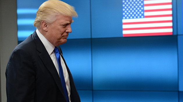 Охота на ведьм: Трамп высмеял обвинения американских СМИ в адрес России