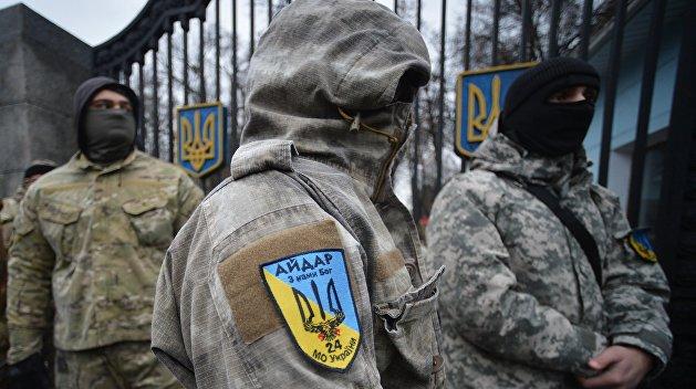 Под Радой «Айдар» и «Донбасс» схлестнулись с Нацгвардией, есть пострадавшие