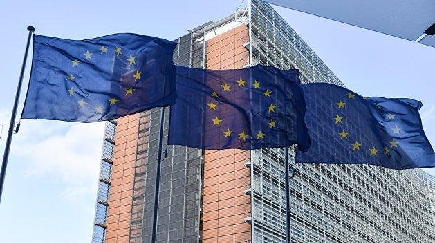 ЕС прозрачно намекнул Украине о приостановке безвиза