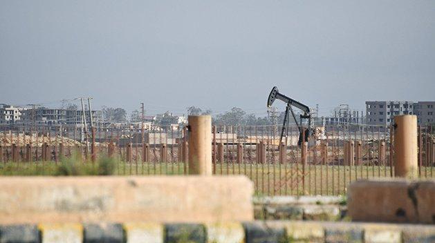 Нефть держится на отметке $54