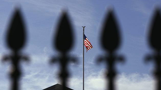 Politico: США нужно перестать давить на Россию