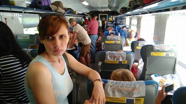 В Украине скоростные поезда идут так быстро, что можно ехать стоя