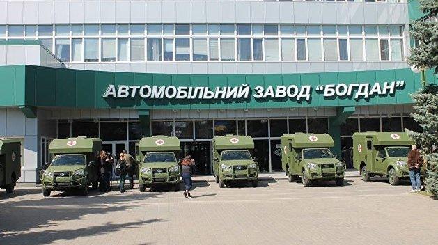 Кому война: завод Порошенко продаст 130 авто для армии