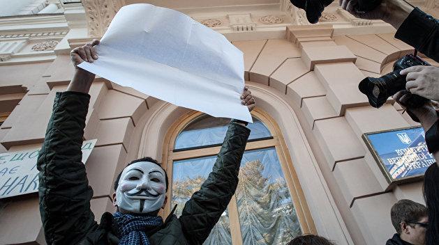 Случаи нарушения свободы слова на Украине исчисляются сотнями