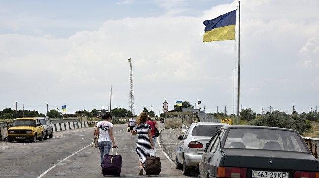 После присоединения к России из Крыма на Украину переехал 1% населения полуострова