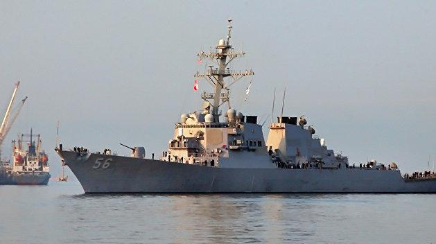 Эсминец «Джон Маккейн» столкнулся с торговым судном, десять моряков пропали