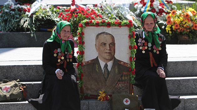 В Одессе разбили бюст маршала Жукова