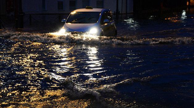 Америку накрыл сильнейший за последние 12 лет ураган