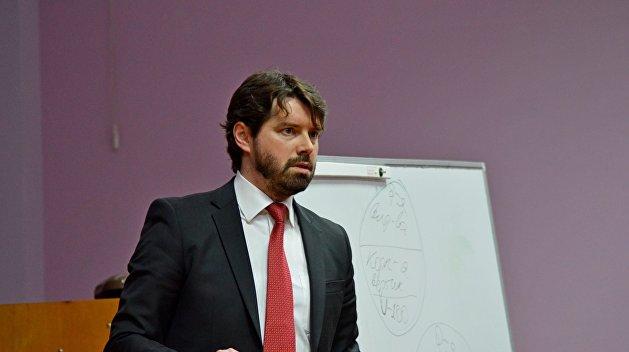Экономист: Украине нужна «жесткая рука»