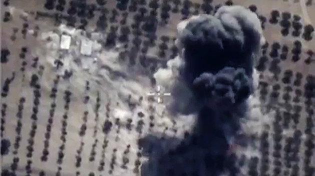 ВКС РФ ликвидировали колонну боевиков ИГИЛ в Сирии