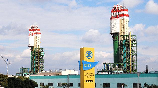 Грозят забастовкой. Рабочих Одесского припортового завода оставили без зарплаты