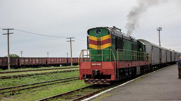 Под Киевом во время движения сгорел локомотив пассажирского поезда