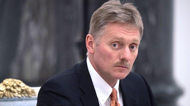Песков сказал, что мешает вводу миротворцев в Донбасс