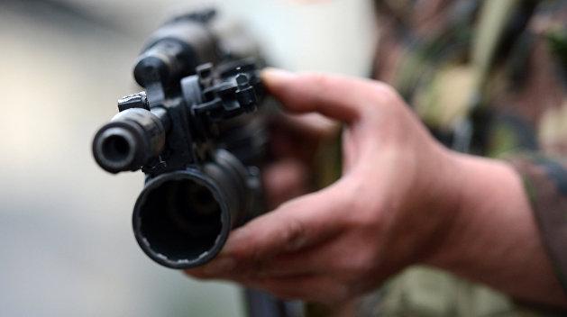 На востоке Украины обстреляли поезд с атошниками