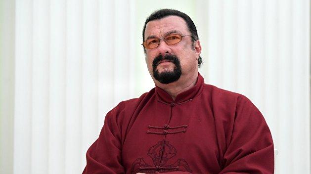 СБУ запретила въезд на Украину Стивену Сигалу