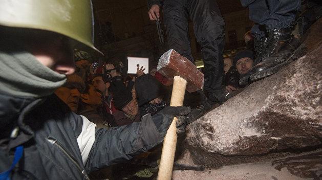 Александр Каревин: Советская история ненавистна нынешним украинским деятелям