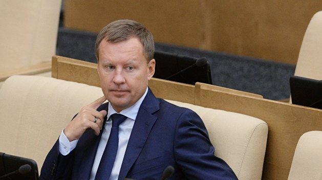 Беглый «коммунист» Вороненков лишился партбилета