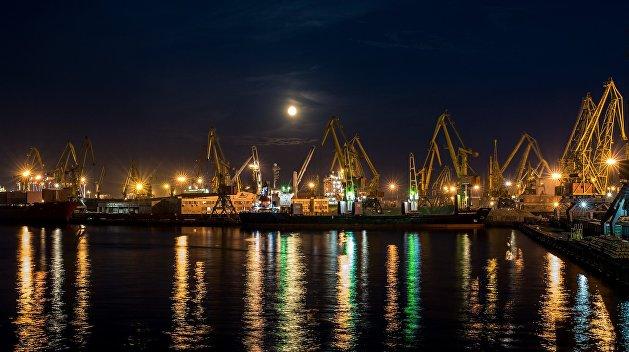 На таран: в порту «Южный» сняли обвинения с американского угля