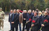 В Ростове установили памятник Героям Донбасса