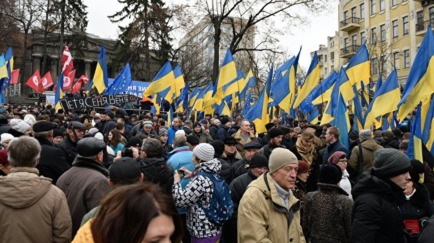 Арбузов: Кризис в социальной сфере еще дна не достиг