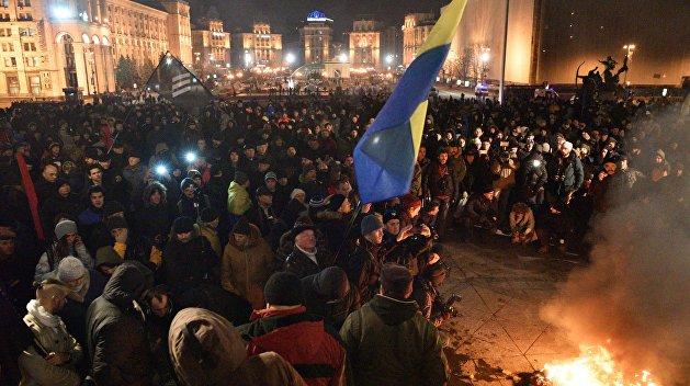 Депутат Барна назвал митингующих под Радой «толпой шакалов»