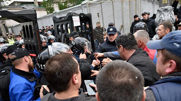 Савченко: Организаторы митинга рвутся к корыту