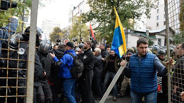 Захватчика резиденции Януковича обвинили в избиении полицейских под Верховной Радой