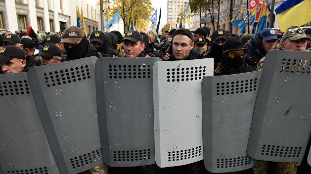 Депутат от Крыма: В Киеве мы видим начало организованного в верхах переворота