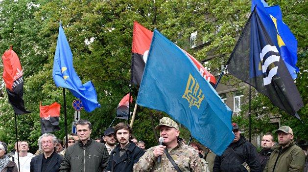 Соратники Кохановского разгромили зал киевского суда