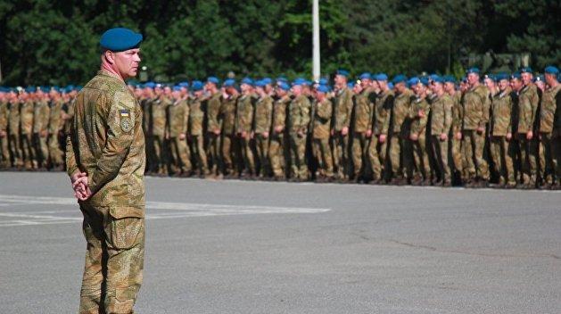 Украинские десантники отказываются снимать голубые береты
