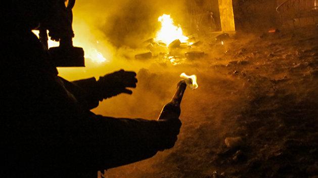 «Греки, я принес вам огонь!»: Соцсети об атаке на посольство Украины в Греции