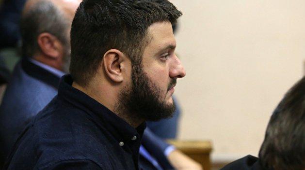 Суд снял арест с имущества сына Авакова