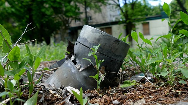 Украинские силовики выпустили по ДНР свыше 70 боеприпасов за сутки