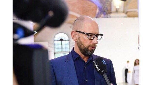 Яценюка задержали в Женеве по запросу России