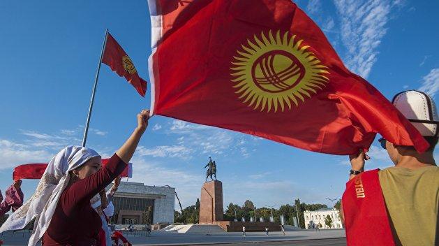 «Гигантские очереди»: Грозин рассказал, как в Киргизии на самом деле относятся к русским школам
