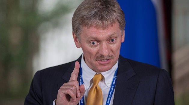 Песков обозначил позицию России по разгорающемуся в США украинскому скандалу