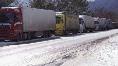 Единственная дорога из России в Грузию закрыта из-за угрозы лавин