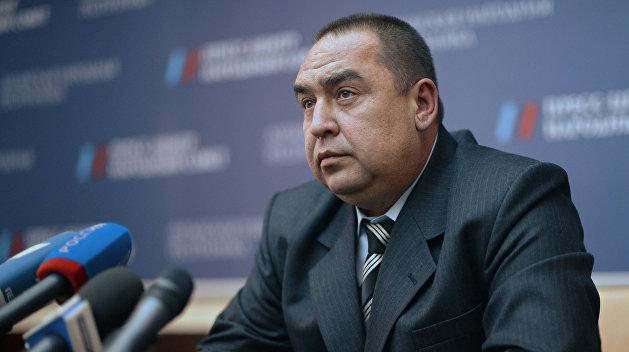Плотницкий поручил упростить процедуру выдачи паспорта ЛНР