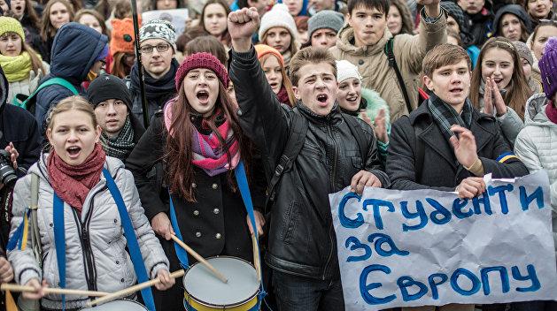 Студенческий Евромайдан привел к смене власти на Украине
