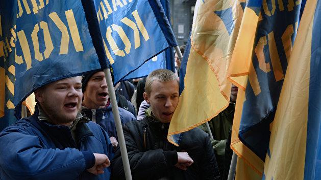 Националисты начали пикет Львовского облсовета
