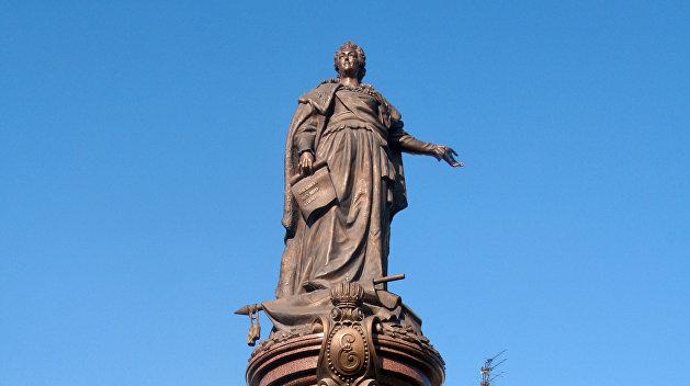 Украинские историки записали Суворова и Екатерину II в пропагандисты «русского мира»