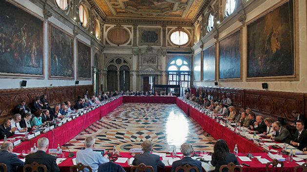 Олейник: Украина игнорирует решение Венецианской комиссии