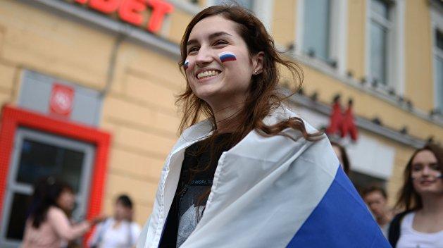 Россияне рассказали о своем отношении к Западу, Японии и Украине