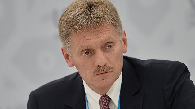 В Кремле назвали условие возвращения офицеров РФ в СЦКК