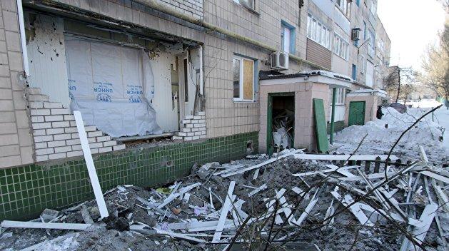 Власть хочет восстанавливать Донбасс за счет гуманитарной помощи