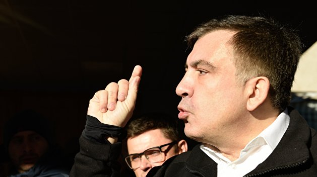 Саакашвили планирует вещать с экрана на крыше своего дома