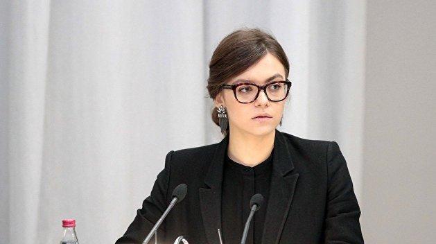 Девушки на выход: Кабмин уволил замминистра Авакова Анастасию Дееву