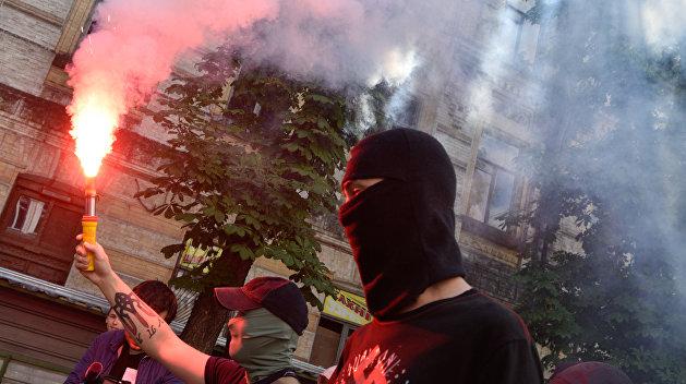 Ткачёв: Киевские кукловоды одним щелчком включают у украинцев режим кровожадного имбецила