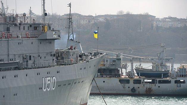 Украина отказалась забирать технику из Крыма